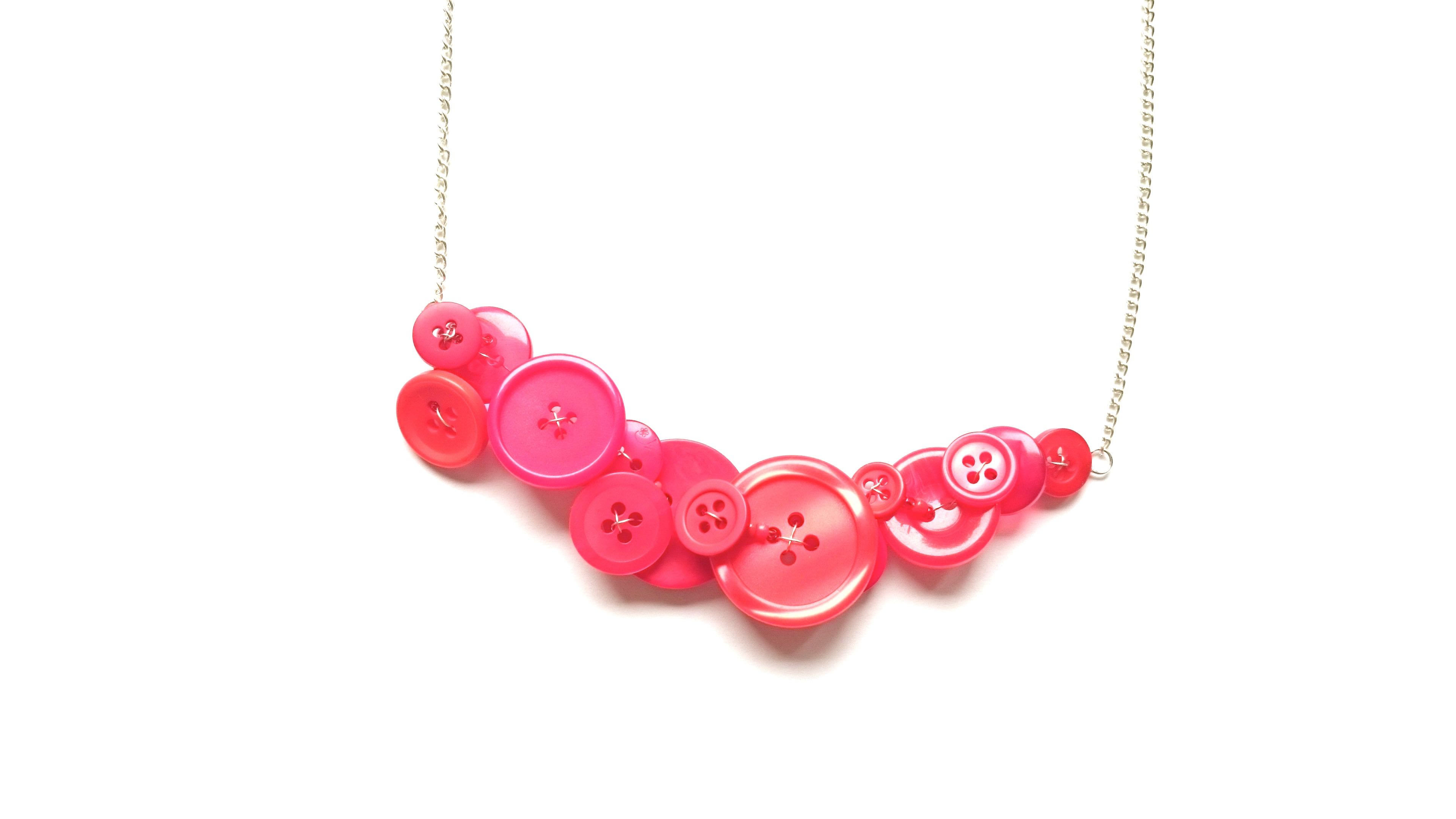 adina met necklace pendant red l heart circle with chain the plastelina