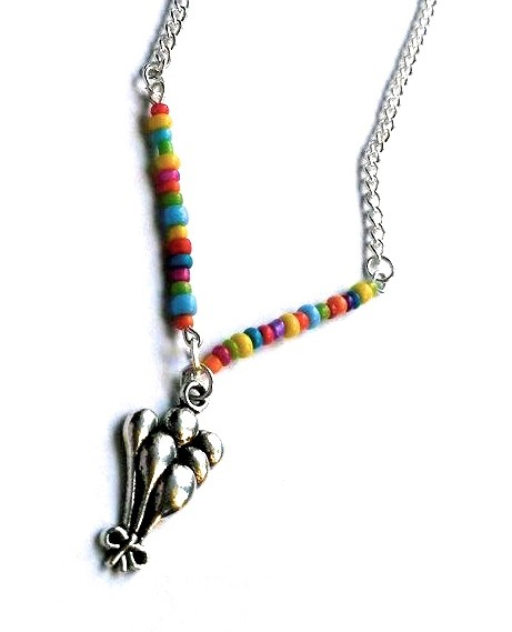 balloons necklace