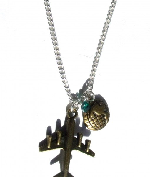 traveller necklace
